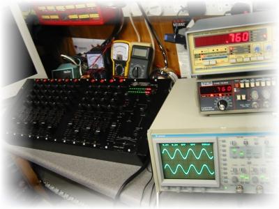 Professional Night Club Mixer, Formula Sound PM90 Having A Full Service